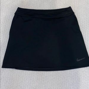 Nike tennis / golf skort with pockets size small